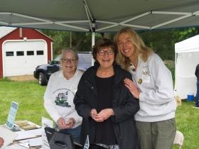 Picnic Reception committee: Sande Stevenson, Lauren McIntyre, Jini Goscinack